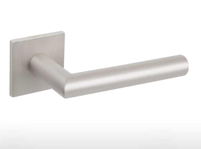 Door handle – 4002 Q Pearl Nickel